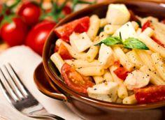 Pasta alla checca -  RECETA: https://aventurasencocinablog.wordpress.com/2016/08/02/pasta-alla-checca/ Aventuras en Cocina - la felicidad es casera