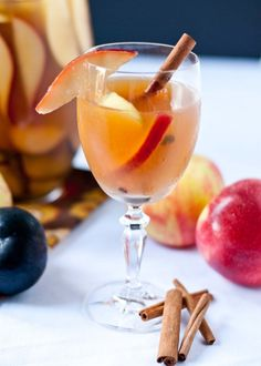 """hoardingrecipes: """" Autumn Sangria """" Serving: 6 Ingredients: 1 bottle of pinot grigio 3 cups apple cider + ¼ cup maple syrup whisked in (the maple syrup part is optional) 1 cup club soda ½ cup. Fancy Drinks, Cocktail Drinks, Yummy Drinks, Yummy Food, Apple Pie Sangria, Fall Sangria, Sangria Drink, White Sangria, Sangria Recipes"""