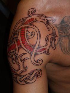 Norse/celtic dragon shoulder piece by Torsk.