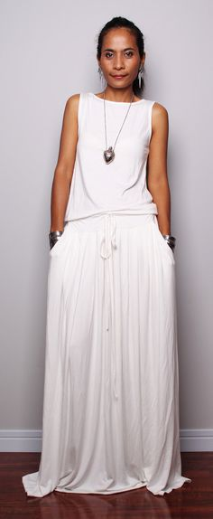 PLUS SIZE Dress / Off White Maxi Dress Sleeveless by Nuichan