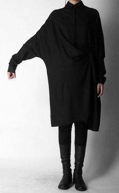 Crepe Tunic Dress Long Sleeve Loose Waist Oversized Irregular Split Shirt How you dress expresses aspects of who you are. So express yourself through what you wear. Get inspired by this very cool black outfit. Dark Fashion, Minimal Fashion, Winter Fashion, Looks Style, Style Me, Mode Outfits, Fashion Outfits, Cheap Fashion, Fashion Fashion