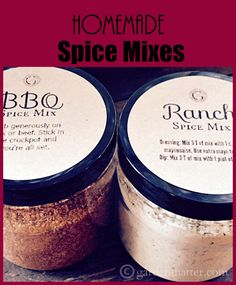 These recipes for BBQ rub and Ranch are easy to make and give as gifts. Free label printables and gift tags too. Homemade Bbq, Homemade Spices, Homemade Seasonings, Homemade Gifts, Spice Blends, Spice Mixes, Jar Gifts, Food Gifts, Food Storage