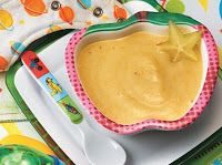 PAPINHA DE CARAMBOLA, MAÇÃ E BANANA: Em uma panela com 4 1/2 xícaras de água, cozinhe 2 xícaras de banana cortada em pedaços e 2 1/2 xícaras de maçã e carambola, sem cascas nem sementes, também cortadas em pedaços por 30min ou até ficarem macias. Transfira para o liquidificador e bata até formar uma papinha. Deixe esfriar e sirva.