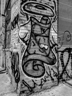 THE ART AROUND THE CORNER - Composition Friday #PhotoOfTheDay #bushwickcollective #streetart #nycstreetart #bushwickbrooklyn #nycstreets #nyclife #urbanart #mural #rsa_graffiti #brooklynstreetart #graffiti #NYC #Art #ArtsInActionBushwick #biotatscru #tatscru #Brooklyn #avisualbliss #graffitilove #graffitinyc #nycgraffiti #streetartandgraffiti #MorganWalls #Bushwick #Brooklyn #NewYork #BW7DayChallenge #blackandwhite #blackandwhitephoto #bw_photooftheday #bw #blackandwhitephotography…