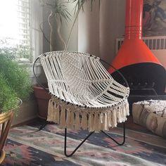 >>>this has been sold, but cool idea<<< Mid Century Modern macrame hoop chair macrame by NiromaStudio Hammock Chair, Diy Chair, Hanging Chair, Chair Cushions, Macrame Supplies, Macrame Projects, Modern Macrame, Macrame Chairs, Alternative Mode