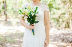 Loving this simple bouquet! Vintage Outdoor Oklahoma Wedding Captured by Deisy Photography | Rachael + Isaac | Brides of Oklahoma #bridesofok #bouquet #wedding