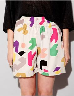 Slouchy abstract print shorts   Pixie Market