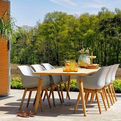 De Sophie tuinstoelen zijn comfortabel, trendy én zorgen voor een stijlvolle look in je tuin of op je terras. Dankzij de onderhoudsarme materialen gaat de stoel jaren mee! Kies voor een stoel met houten of aluminium onderstel. De kunststof zitting zorgt voor een heel comfortabele zit. De tuinstoel heeft een moderne en frisse uitstraling, perfecte tuinmeubelen! Garden Furniture Sets, Outdoor Furniture Sets, Outdoor Decor, Dining Chairs, Dining Table, Love Garden, Citronella, Garden Inspiration, Table Settings