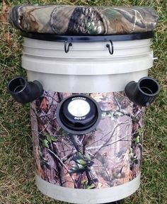 """The Fishing Caddy """"ALL in one"""" Bank Fishermans Dream Fishing Seat & Rod-Holders System"""