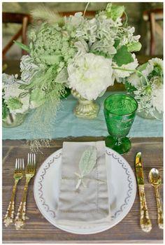 Nada más íntimo y romántico que casarse en un jardín de cuento... Hoy en el blog os inspiramos!  http://www.unabodaoriginal.es/blog/donde-como-y-cuando/espacios/inspiracion-jardin-romantico