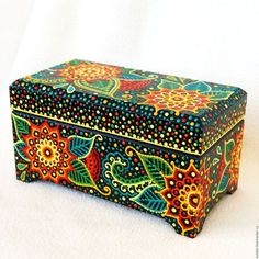 Our goal is to keep old friends, ex-classmates, neighbors and colleagues in touch. Mandala Art, Mandala Design, Painted Boxes, Wooden Boxes, Dot Painting, Painting On Wood, Cigar Box Art, Hand Painted Dishes, Pretty Box
