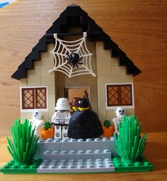 LEGO minifigures go Trick or Treating! #Halloween