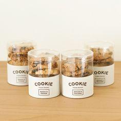 cookies packaging 30 Fantastic Examples of Cookie Packaging Design Bake Sale Packaging, Baking Packaging, Jar Packaging, Dessert Packaging, Food Packaging Design, Brand Packaging, Packaging Ideas, Branding Ideas, Coffee Packaging