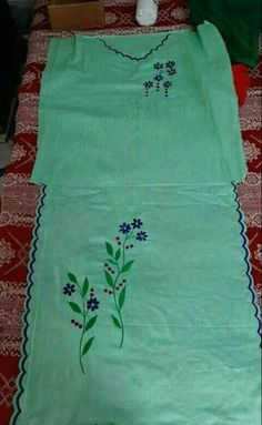 Embroidery Neck Designs, Cutwork Embroidery, Hand Embroidery Videos, Embroidery Suits Design, Simple Embroidery, Neck Designs For Suits, Dress Neck Designs, New Dress Design Indian, Punjabi Suits Designer Boutique