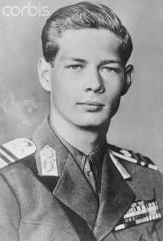 20 year old King Michael of Romania. 1941 & 20 year old King Michael of Romania. King Michael Romania, History Of Romania, Old Photos, Vintage Photos, Romanian Royal Family, Old King, Central And Eastern Europe, Royal House, Black And White Portraits