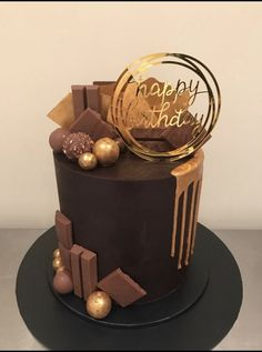 Elegant Birthday Cakes, Beautiful Birthday Cakes, Birthday Cakes For Men, Square Birthday Cake, Elegant Cakes, Cake Decorating Techniques, Cake Decorating Tips, Bolo Glamour, Chocolate Cake Designs