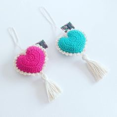 Love Rococó – Comprar en Pandora Objetos con Aura We are want to say thanks if you like to share this post Love Crochet, Crochet Gifts, Diy Crochet, Crochet Toys, Crochet Flower Patterns, Crochet Flowers, Crochet Hearts, Crochet Mobile, Crochet Keychain