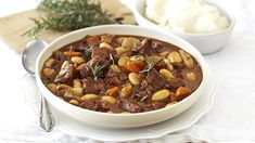 Glorious Beef Stew with Bacon, Beans & Onions - comfort on a plate! Easy Dinner Recipes, Dessert Recipes, Desserts, Beef Recipes, Cooking Recipes, Winter Food, Soups And Stews, Onions, Romantic Recipes