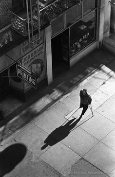 Harold Feinstein - Casting a shadow, NYC, 1955 Straight Photography, Urban Photography, Artistic Photography, Street Photography, Landscape Photography, Classic Photography, Edward Steichen, Edward Weston, Ellen Von Unwerth