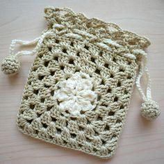 Marvelous Crochet A Shell Stitch Purse Bag Ideas. Wonderful Crochet A Shell Stitch Purse Bag Ideas. Crochet Sachet, Crochet Drawstring Bag, Crochet Pouch, Crochet Hook Set, Crochet Gifts, Crochet Yarn, Hand Crochet, Drawstring Pouch, Crochet Handbags
