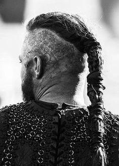 my edits ugh Flaunt Magazine vikings he's so hot othersedits travis fimmel vikingsedit vikings cast Ragnar Lothbrok Vikings, Ragnar Lothbrok Haircut, Ragnar Hair, Vikings Show, Vikings Tv, Viking Berserker, Viking Haircut, Viking Hairstyles, Hairstyles Men