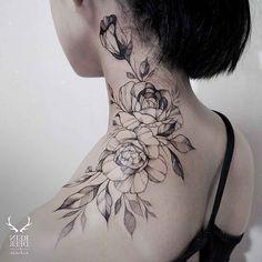 Rose Tattoo am Hals Badass Tattoos, Body Art Tattoos, Cool Tattoos, Tatoos, Neck Tattoos Women, Shoulder Tattoos For Women, Floral Tattoo Design, Flower Tattoo Designs, Floral Tattoos