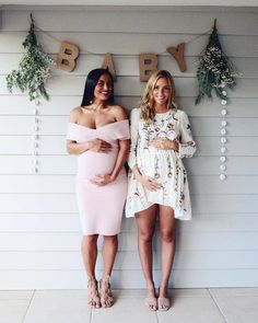 30 trendy baby shower outfit ideas for mom life Idee Baby Shower, Baby Shower Themes, Baby Boy Shower, Baby Shower Outfits, Shower Ideas, Baby Shower Photo Booth, Baby Shower Backdrop, Baby Shower Guest Outfit, Summer Baby Shower Dress