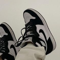 Discovered by ƒєяια ✾. Find images and videos about shoes, nike and sneakers on We Heart It - the app to get lost in what you love. Dr Shoes, Swag Shoes, Hype Shoes, Me Too Shoes, Shoes Sneakers, Shoes Heels, Jordan Sneakers, Adidas Shoes, Jordan Shoes Girls
