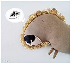 - Nouvelle collection 2016 -  Le roi Léopold est une nouvelle addition à notre famille animale dans Milipa.  Ce jouet a été conçu, modelé et à la main par moi dans sweat rugueuse, feutres et...