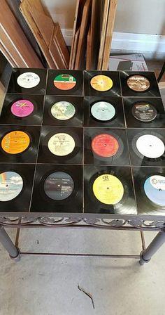 54 Ideas Diy Art Ideas Recycling Old Cds Vinyl Records Decor, Vinyl Record Projects, Records Diy, Record Decor, Vinyl Record Art, Old Vinyl Records, Vinyl Art, Cd Crafts, Vinyl Crafts