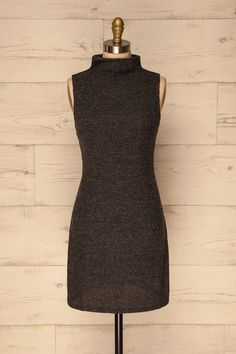 Joara / This super soft dress will keep you comfy and trendy during the colder seasons! Made of a soft stretch knit, it will allow you to cozily wrap up while still displaying a neat and adorable style. The loose fit is practical and ideal for wearing with a jacket and leggings or tights. #boutique1861