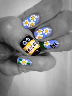 Bee nails, bumble bee nails, bee nail art