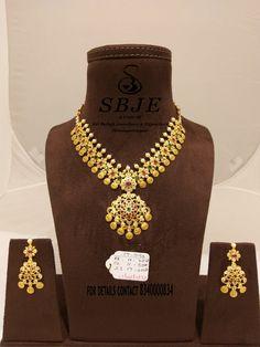 Beautiful gold necklace with Ram darbar kasu hangings. Necklace with matching earrings. RAM DARBAR LATEST COLLECTION. Indian Wedding Jewelry, Indian Bridal, Bridal Jewelry, Gold Jewellery Design, Gold Jewelry, Statement Jewelry, Short Necklace, Necklace Set, Trendy Jewelry