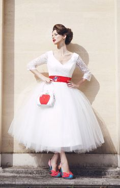 If you're looking for an unconventional wedding dress, colored tea-length wedding dresses would be your faves. Look at the ideas below to find the best dress for your vintage wedding. Wedding Robe, Tea Length Wedding Dress, Tea Length Dresses, Gorgeous Wedding Dress, Lace Wedding, Chic Wedding, Wedding Tips, Wedding Dresses Under 500, Vintage Inspired Wedding Dresses
