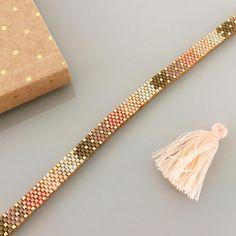 off loom beading Loom Bracelet Patterns, Bead Loom Bracelets, Bead Loom Patterns, Woven Bracelets, Beaded Jewelry Patterns, Handmade Bracelets, Beading Patterns, Beading Ideas, Beading Tutorials