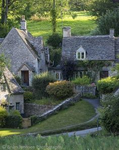 """"""" Arlington Row - homes built for the local weavers, Bibury, Glocestershire, England (by Brian Jannsen Photography) """""""