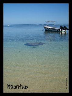 Mauritius: sea