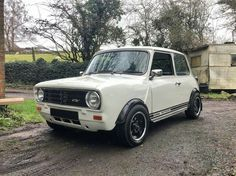 Mini Cooper Clubman, Mini Coopers, Classic Mini, Classic Cars, Mini S, Small Cars, Nice Cars, My Ride, Car Stuff