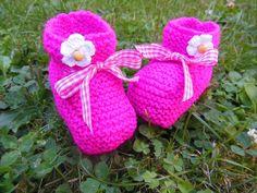 Chaussons bébé coloris fuschia petite paquerette : Mode Bébé par logique