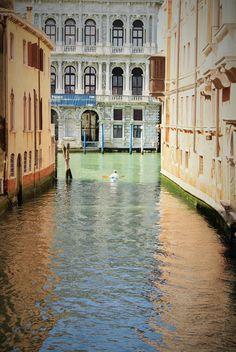 "https://flic.kr/p/H91AWJ | ""Lasciarsi vivere totalmente"" Ornella vannoni | Giulia Bergonzoni #photography #venice #city #travel #europe #bergonzoni #giulia #photographer #venezia #sail #boat #colors #pastel #vintage #light"