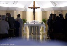 Papa: Que los cristianos se miren al espejo antes de juzgar - Radio Vaticano