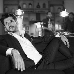 Turkish Men, Turkish Actors, Hot Actors, Actors & Actresses, Man Photography, Actor Model, Leonardo Dicaprio, Hairy Men, Movie Characters