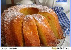 Tvarohovo-jablková bábovka recept - TopRecepty.cz 1 tvaroh ve vaničce /250 gr/ 3 vejce 220 g cukru krupice 200 g tuku /Zl. Haná, Hera,.../ 1 vanilkový cukr 250 g polohrubé mouky 1 jablko hrst kandované pomerančové kůry 1 prášek do pečiva strouhaná citronová kůra tuk polohrubá mouka na formu Czech Recipes, Sweet Cakes, Kitchen Hacks, Doughnut, Cooking Tips, French Toast, Treats, Breakfast, Bundt Cakes