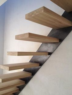Raumspartreppen Kleintreppen Wangentreppe Mittelholmtreppe Painted Stairs, Wood Stairs, House Stairs, Stair Railing, Staircase Design Modern, Home Stairs Design, Staircase Architecture, Interior Architecture, Stairs Handle