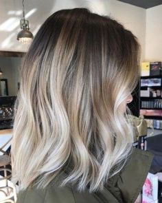 33 balayage hair for short hair - The best trends for short hair with balayage. 33 balayage hair for short hair - The best trends for short hair with balayage - Ombre Hair Color, Hair Color Balayage, Brunette Color, Cool Blonde Balayage, Balayage On Short Hair, Baylage Blonde, Balayage Highlights, Fall Blonde Hair Color, Fall Balayage