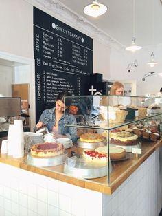 Bullys Bäckerei in Berlin, Berlin - Garten Desing Bakery Cafe, Bakery Store, Berlin City, Berlin Berlin, Restaurant Tipps Berlin, Café Bar, Cafe Bistro, Coffee Shop Design, Bakery Design