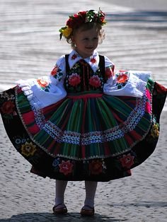 Folk costume of Łowicz, Poland