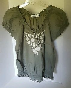 Womens St. Johns Bay Boho Hippie Olive Green Embroidered Flowers Blouse Medium