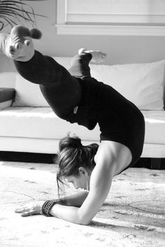 Awesome! Defiantly need to learn how to do this pose.