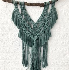 Aan de slag met je eigen woonhanger. En wij hebben ze in heeel veel verschillende kleuren. Shop ze allemaal! Tassel Necklace, Crochet Necklace, Home Workshop, Diy, Hearts, Instagram, Fashion, Crochet Collar, Do It Yourself